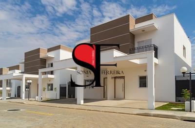 Sobrado residencial para venda e locação, Vila Areao, Taubaté.